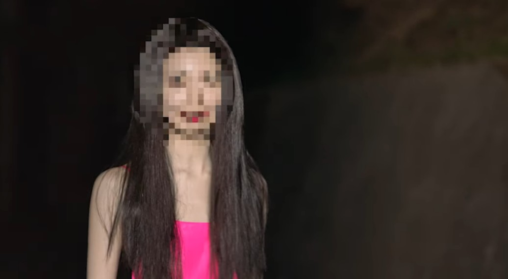平井堅MV知らないんでしょのピンクドレスの女性