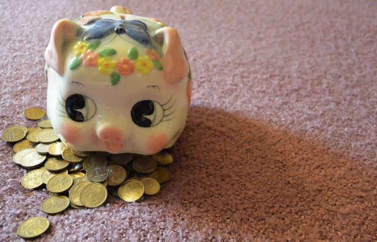 貯金箱でお金を節約する